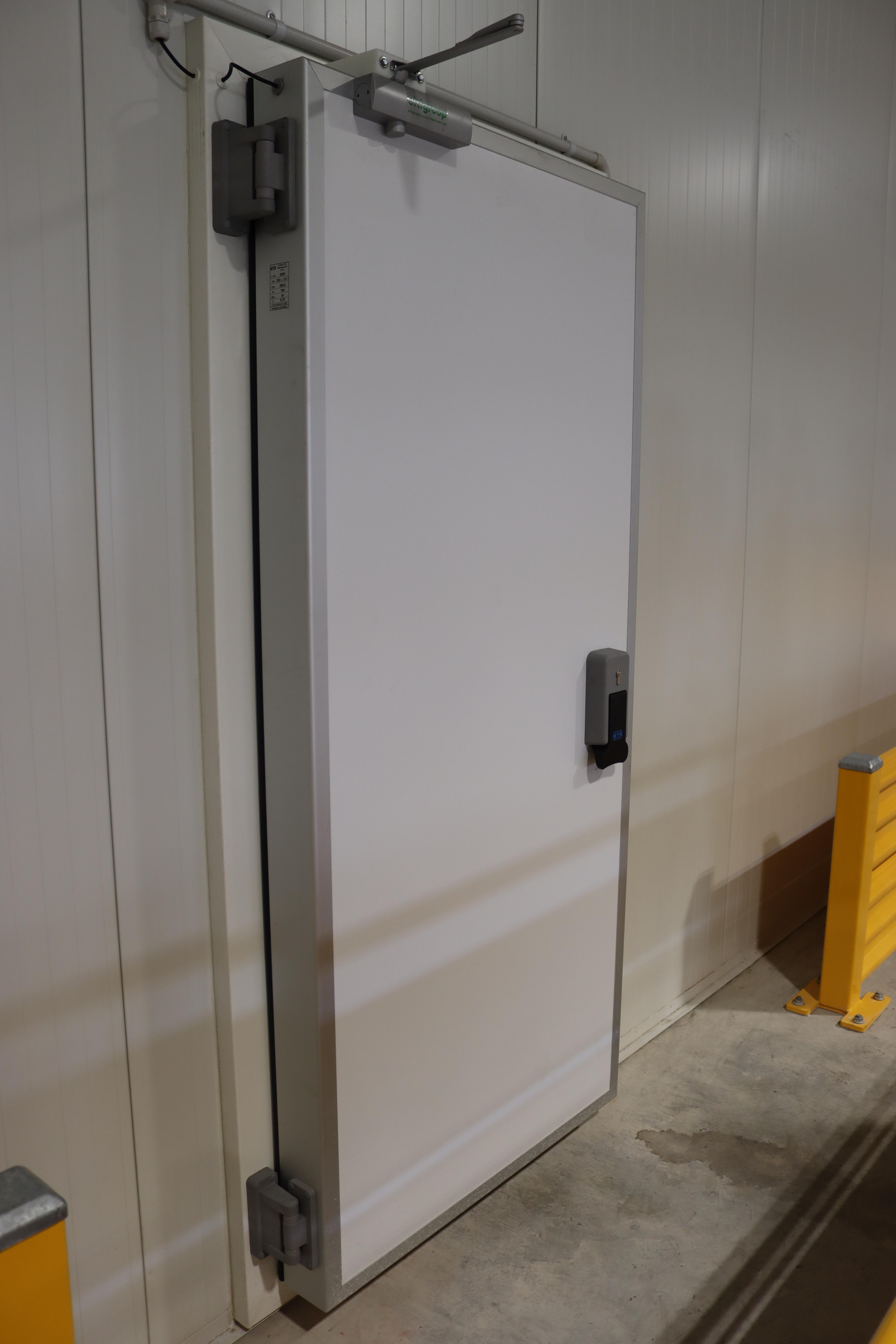 Insulated Hinge Door